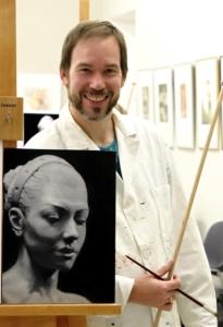 Das ist ein Portrait von Chris.Ui, das ihn mit seinem Oilgemälde - eine Kopie eines Schwarz-Weiss Fotos - zeigt.